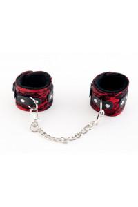 Кружевные наручники красные