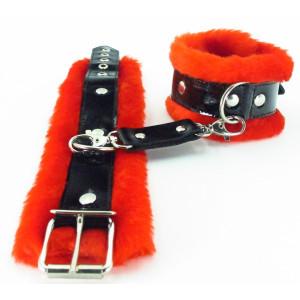 Красные наручники с мехом BDSM Light 710002ars